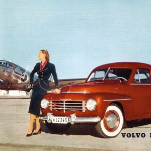 Volvo PV 444 – Retro Nostalgia Postcard