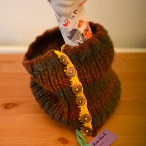 Supercosy Neck Warmer/Scarf with wooden buttons