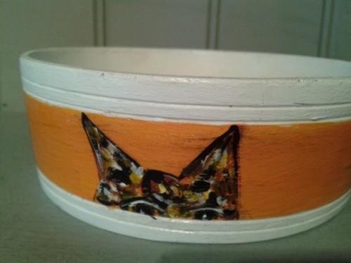Orange Cat Bowl – Round handpainted birch bowl from Sweden