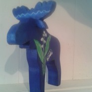 Lily of the Valley Blue Moose – Swedish Wooden Moose