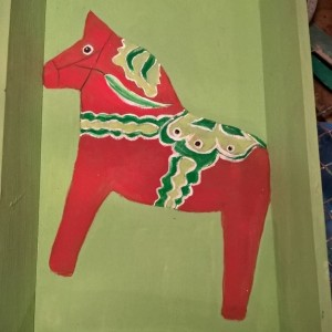Oh So Swedish Dalahorse Wooden Tray – Green