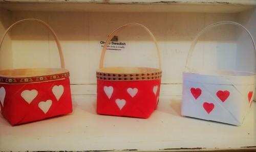 Valentine Heart Basket – Swedish handpainted basket with hearts